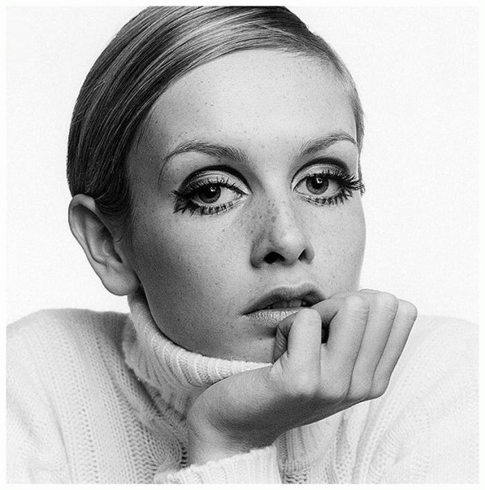 twiggy-1967-by-ronald-traeger-2.jpg