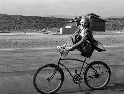 CMnL-hFUEAAqIPn自転車.jpg